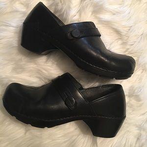 Dansko Black Cogs Size 40